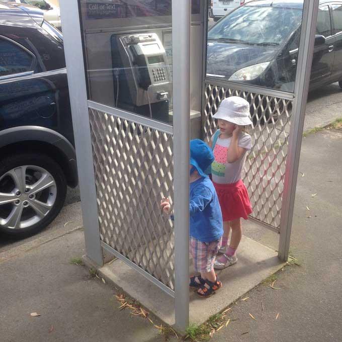 Payphone-kids-calling-dad